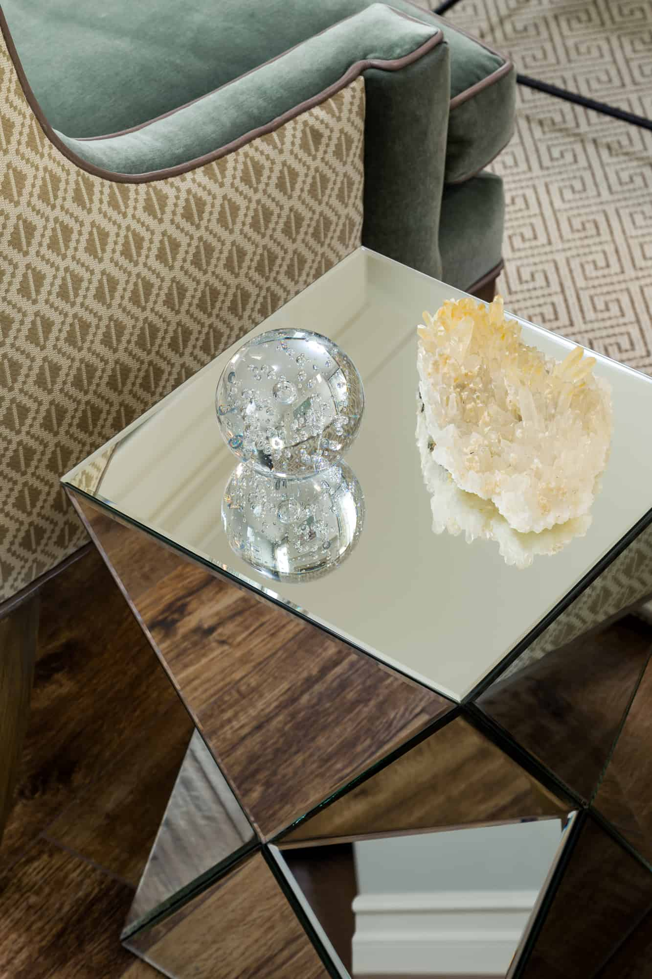 Sisters Interiors Mirrored Cube End Table Sisters Interiors - Mirrored cube end table